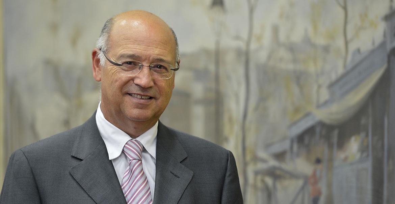 El profesor Ángel Gil Hernández